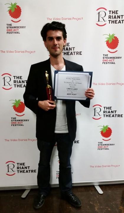 Jorge Franco IV, with his award for best play
